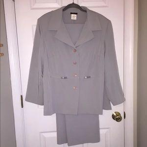 Jackets & Blazers - Light grey suit size 18W